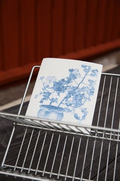 Organic dishcloth blue geranium