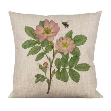 Chusion wild rose/bumlebee  Material 100% linen Size 47x47 cm